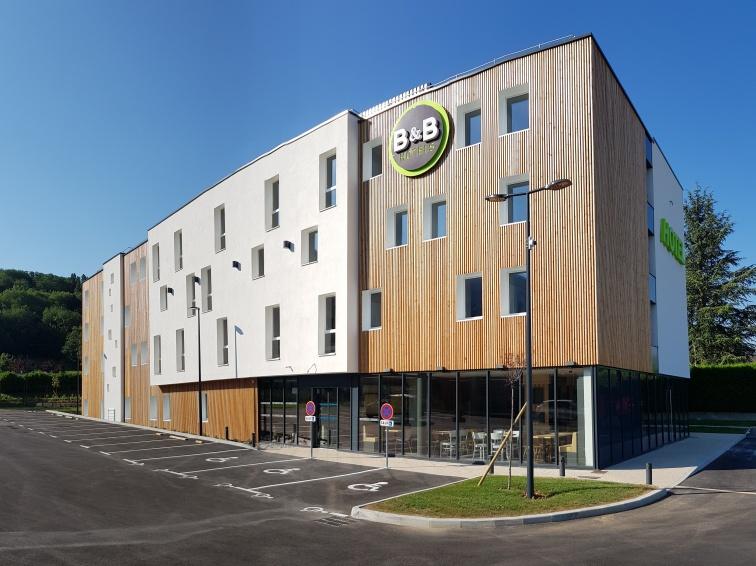 CONSTRUCTION D'UN HOTEL B&B À SAINT CERGUES
