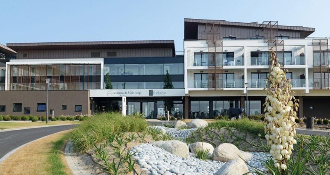 Construction d 39 un hotel 4 et d 39 un centre de for Hotel piscine cabourg